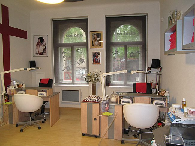 nail-design-salon-2.jpg